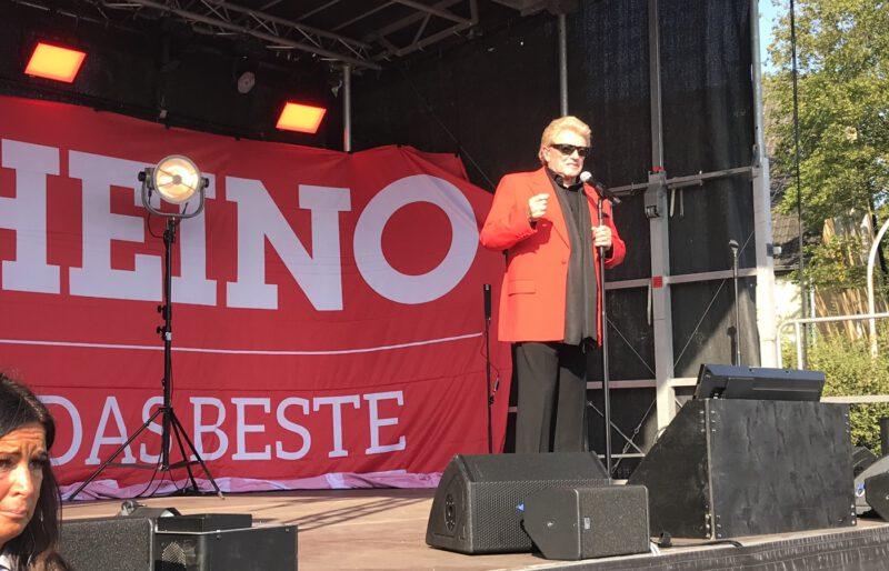 Heino begeisterte am 5.9.2021 in Oberhausen die Menschen; Foto: Peter Ansmann
